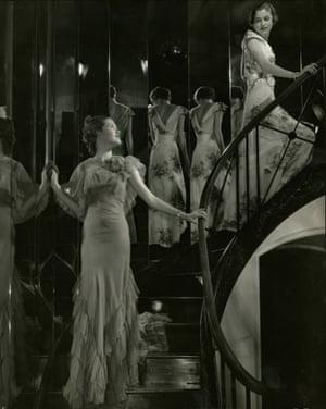 Edward Steichen; Models on mirrored staircase
