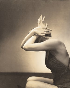 Edward Steichen; Model posing