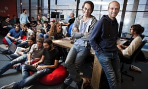 The Blendle team in their Utrecht office, with founders Alexander Klöpping and Marten Blankesteijn