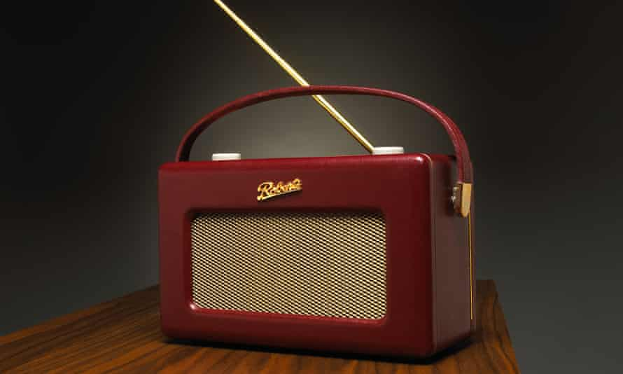 BDD42A Classic Leather Roberts Radio