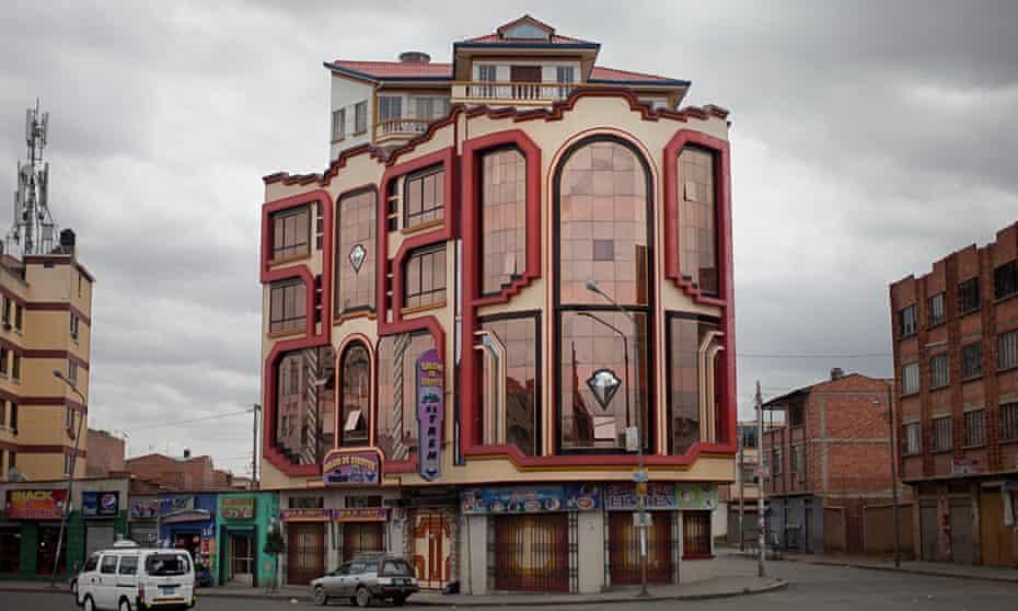 Bolivian architect Freddy Mamani'