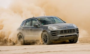 Playing in the sand: the Macan goes through its paces.