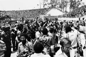 The interest in the fight is immense, thousands were at the Kinshasa stadium 11 days before the fight where reigning heavyweight champion George Foreman made an appearance