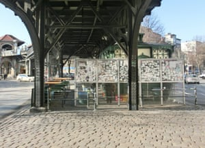 Under the U-Bahn, but a perfect spot for people-watching … Burgermeister