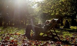 Mild autumn weather in London, Britain - 28 Oct 2014