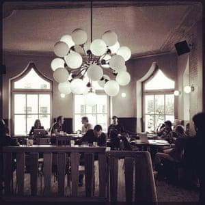 Instgram Berlin: Gaststätte St. Oberholz cafe