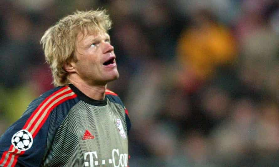 Oliver Kahn looks to the heavens after conceding.