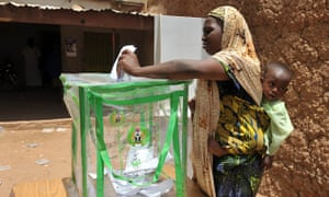 Nigerian woman voting