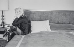 Debbie in a hotel room in Europe c. 1977.  Debbie Harry Blondie Chris Stein