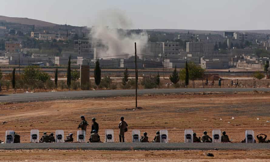 Turkish soldiers near Kobani