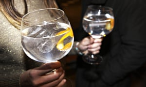 Gin and tonics in balon glasses