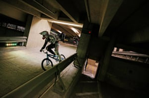 Phillips has built up a quite a lead over Stack in this race during the best of three final. BMX Supercross champion Phillips set a course fastest lap of 50.60 seconds on his way to winning the final and becoming crowned the inaugural Parkour Ride champion