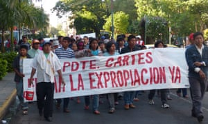Enxet from the Sawhoyamaxa community in Paraguay demanding that president Horacio Cartes approve the expropriation of their land from cattle-ranchers.