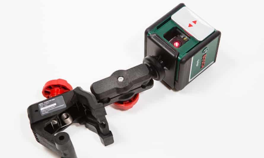 Bosch Quigo cross laser for leveling.