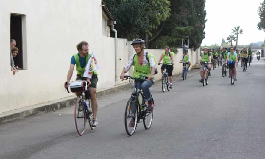 Peter Lemaire with other cyclists of Sciences en Marche