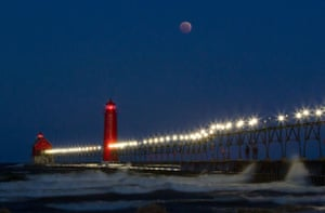 Blood moon at Grand Rapids, MI