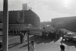 Queues of people gather outside station to visit West Berlin