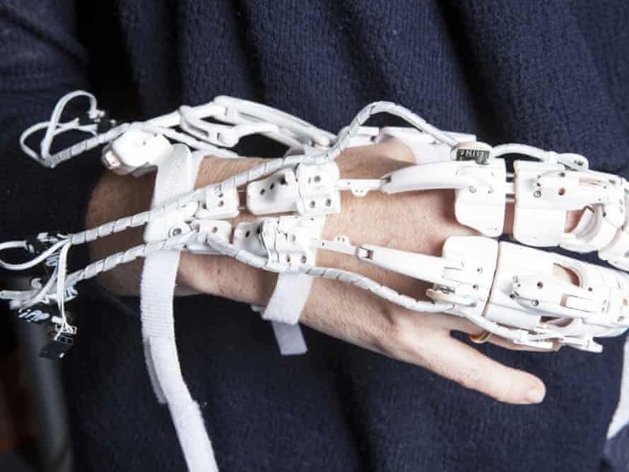 robotic exoskeleton hand