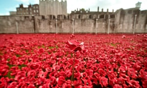 Tthe Tower of London's Blood Swept Lands and Seas of Red installation.