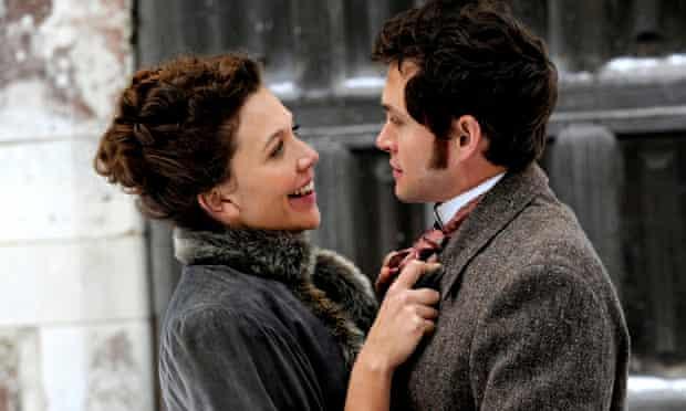 Maggie Gyllenhaal as Charlotte Dalrymple and Hugh Dancy as Mortimer Granville in Hysteria