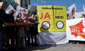 Campaigners in Hamburg urging members of the public to vote in favour of the referendum to renationalise the utility sector, which they won in October 2013.