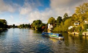 narrow boat on thames river