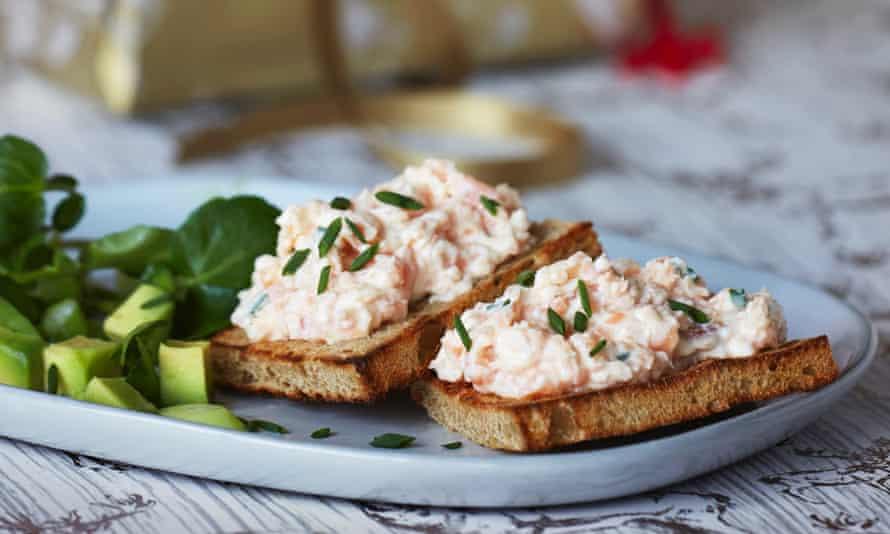 Smoked salmon toasts with avocado and watercress salad