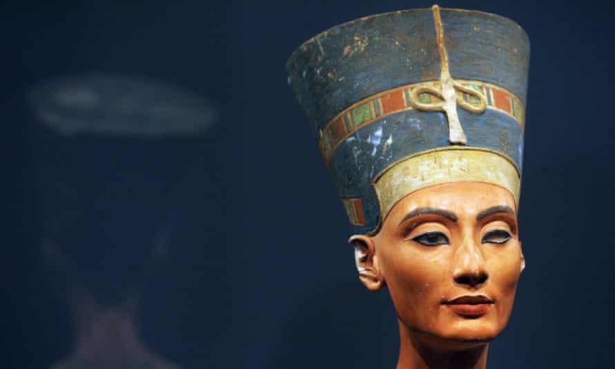 Bust of Queen Nefertiti of Egypt - stolen art