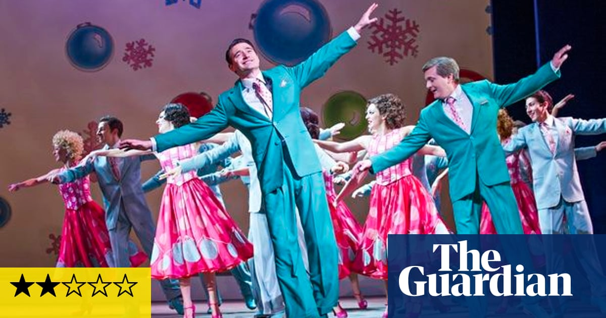 White Christmas Musical.Irving Berlin S White Christmas Review Smothered In Sickly