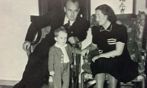 Niklas Frank as a child with his father Hans Frank and mother Brigitte in Krakow in 1942.