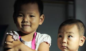 Small girl vaccinated against measles in Qionghai, China in 2010
