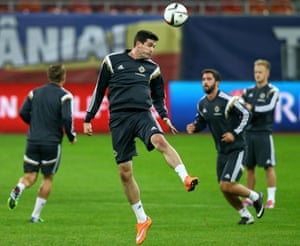 Kyle Lafferty in training with Northern Ireland.