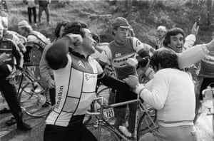 1984 Paris - Nice Bernard Hinault throws a punch at a protesting shipyard worker at the Col d'Eze. Click her for more information on the incident