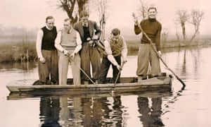 Chelsea footballers attempt to retrieve a golf ball. From left to right: Tommy Law, Hughie Gallacher, George Barber, Bill Russell and Alex Jackson.
