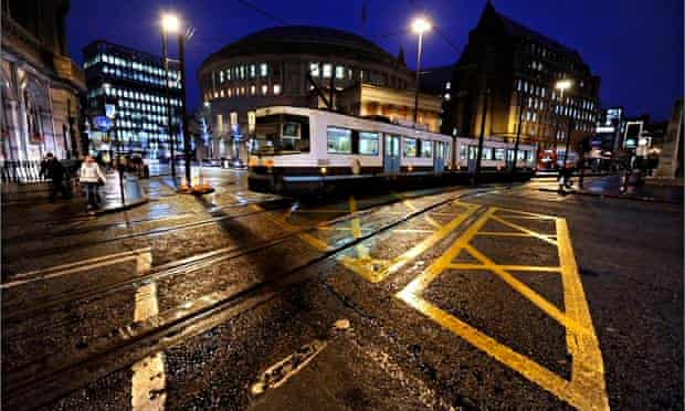 Traffic and trams in Manchester city centre
