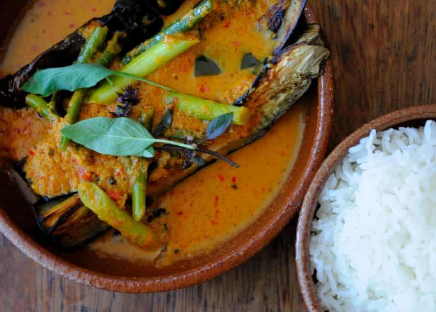 Aubergine Curry at Oli's Thai