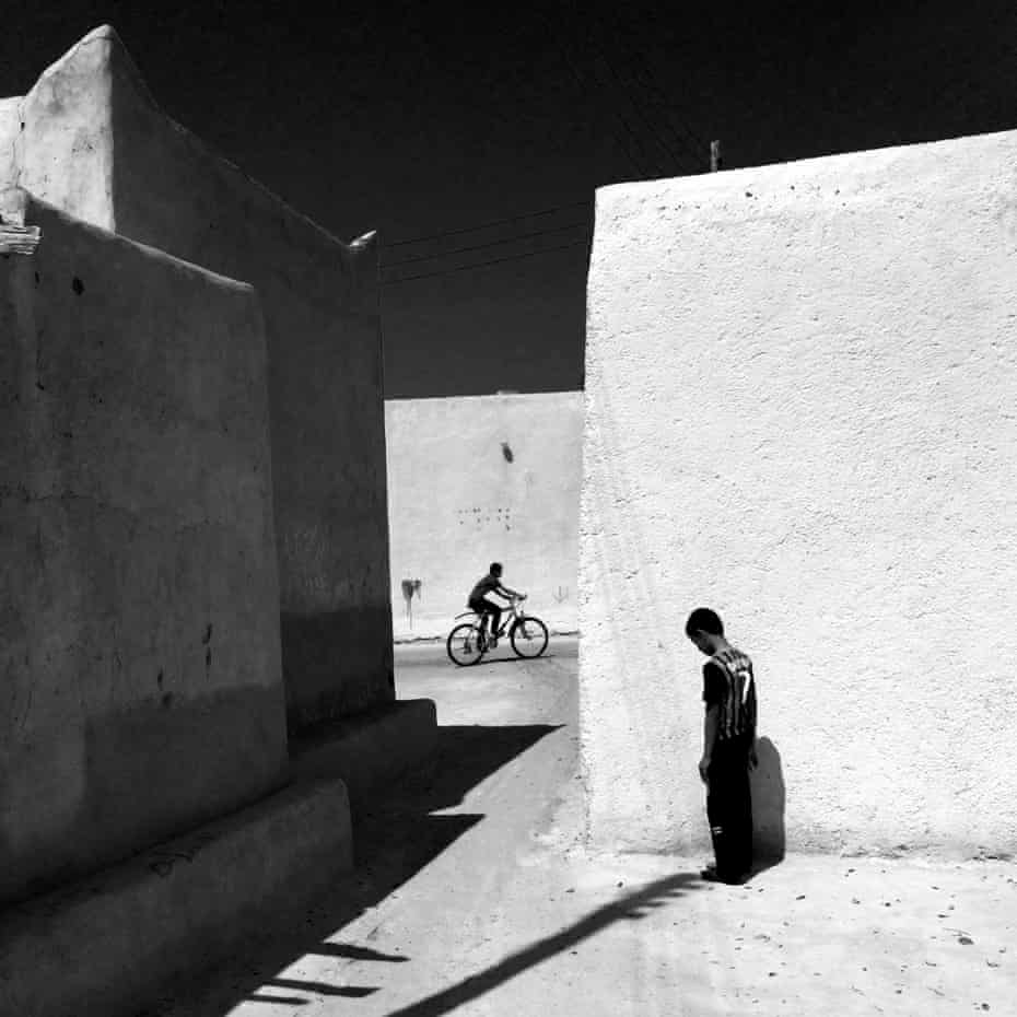 Out of the Phone. An alley in an old part of Kish Island, Iran. @outofthephone