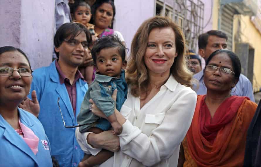 Trierweiler visits slum, in Mumbai