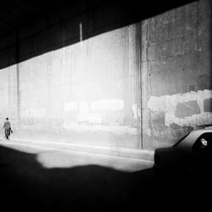 Out of the Phone. Elif Suyabatmaz p36out of the phone - Instagram street photography book. @outofthephone