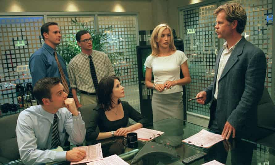 Breaking news: (left to right) Josh Charles, Joshua Malina, Felicity Huffman, William H Macy; and (front) Peter Krause and Sabrina Lloyd in Sports Night
