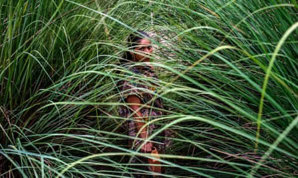 Woman walking to toilet in Utter Pradesh