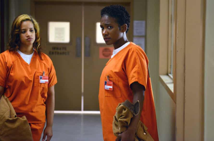 Dascha Polanco (L) and Vicky Jeudy (R) in a scene from Orange Is The New Black
