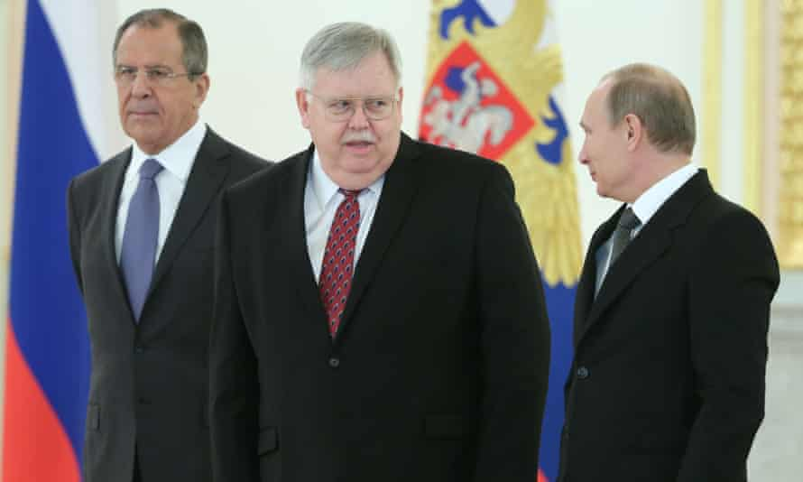 Russia's foreign minister Sergei Lavrov, US ambassador to Russia John Tefft and Russia's president Vladimir Putin
