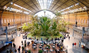 E5R1RP Atocha station, Madrid, Spain.MadridAtochastationMadridSpainPlantVegetalsPlantVegetalsTrainstationEuropeReportageSpain