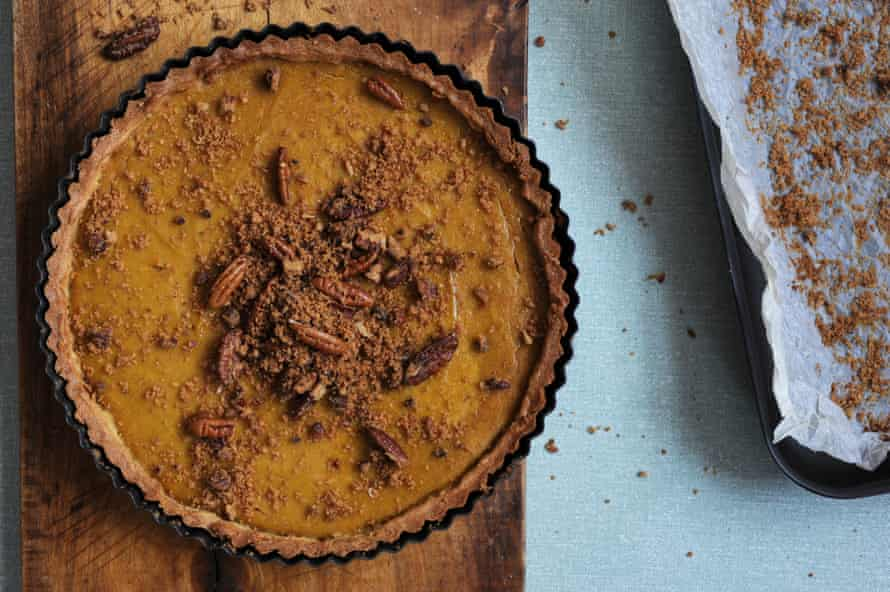 Your finished pumpkin pie should look something like this!