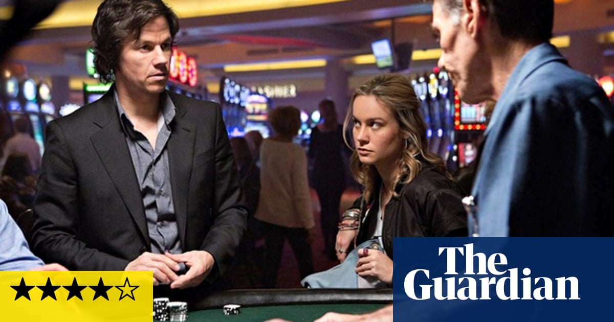 The Gambler Review Mark Wahlberg Gives A Dynamite Display Of Self Hatred Film The Guardian