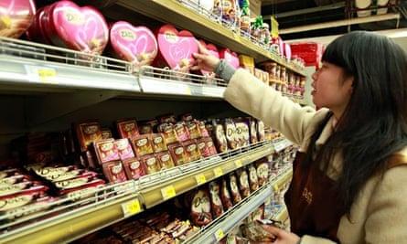 Chocolate shopper in China