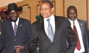 South Sudan president Salva Kiir (left) with Tanzania's president Jakaya Kikwete and South Sudan rebel leader Riek Machar at peace talks in Tanzania.