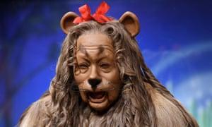 cowardly lion wizard of oz
