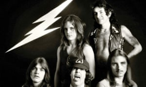 AC/DC in 1976 (clockwise from bottom left) Malcolm, Mark Evans, Bon Scott, Phil Rudd and Angus.